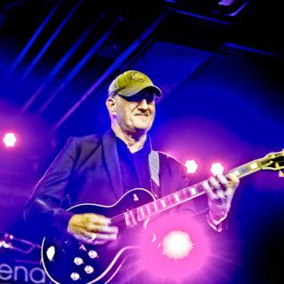 Nederland, Amsterdam, 25-11-2014. Slash wint SENA European Guitar Award. Jan Akkerman was ook onderdeel van het programma. Foto: Andreas Terlaak
