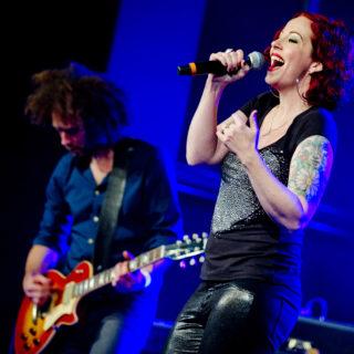 Nederland, Amsterdam, 25-11-2014. Concert van Anneke van Giersbergen tijdens de SENA European Guitar Awards. Foto: Andreas Terlaak