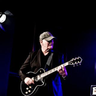 Nederland, Amsterdam, 25-11-2014. Concert van Jan Akkerman tijdens de SENA European Guitar Awards. Foto: Andreas Terlaak